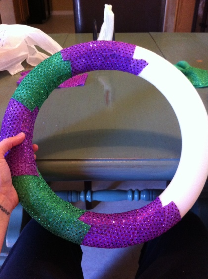 Mardi Gras Wreath Step 1